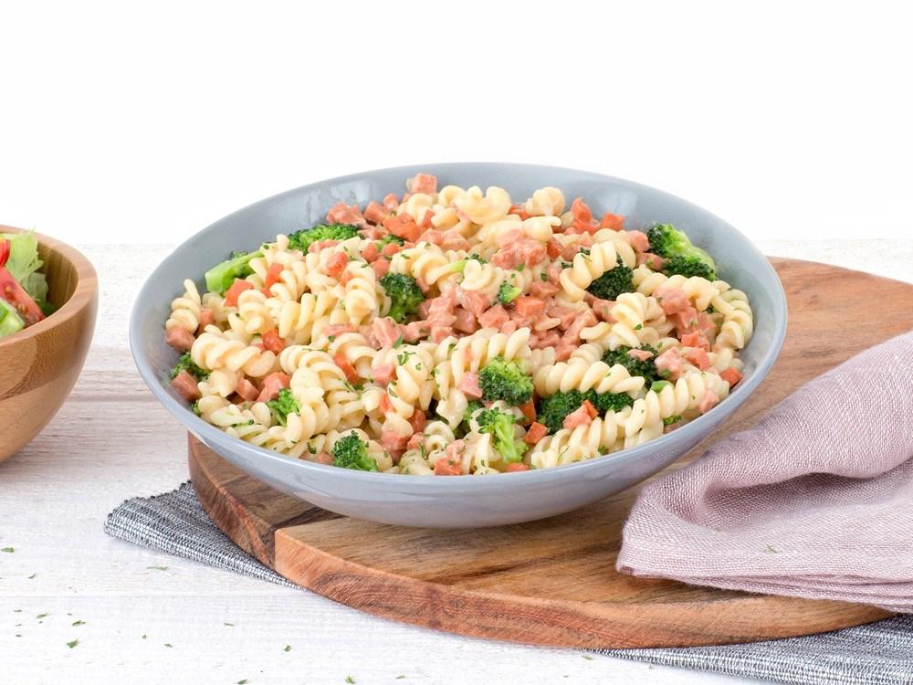 Schouten Europe - Manufacturer of meat substitutes: Vegetarian Diced Ham