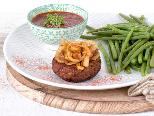 Schouten Europe: manufacturer vegetarian en vegan meat substitutes: Vegetarian Mince Patty