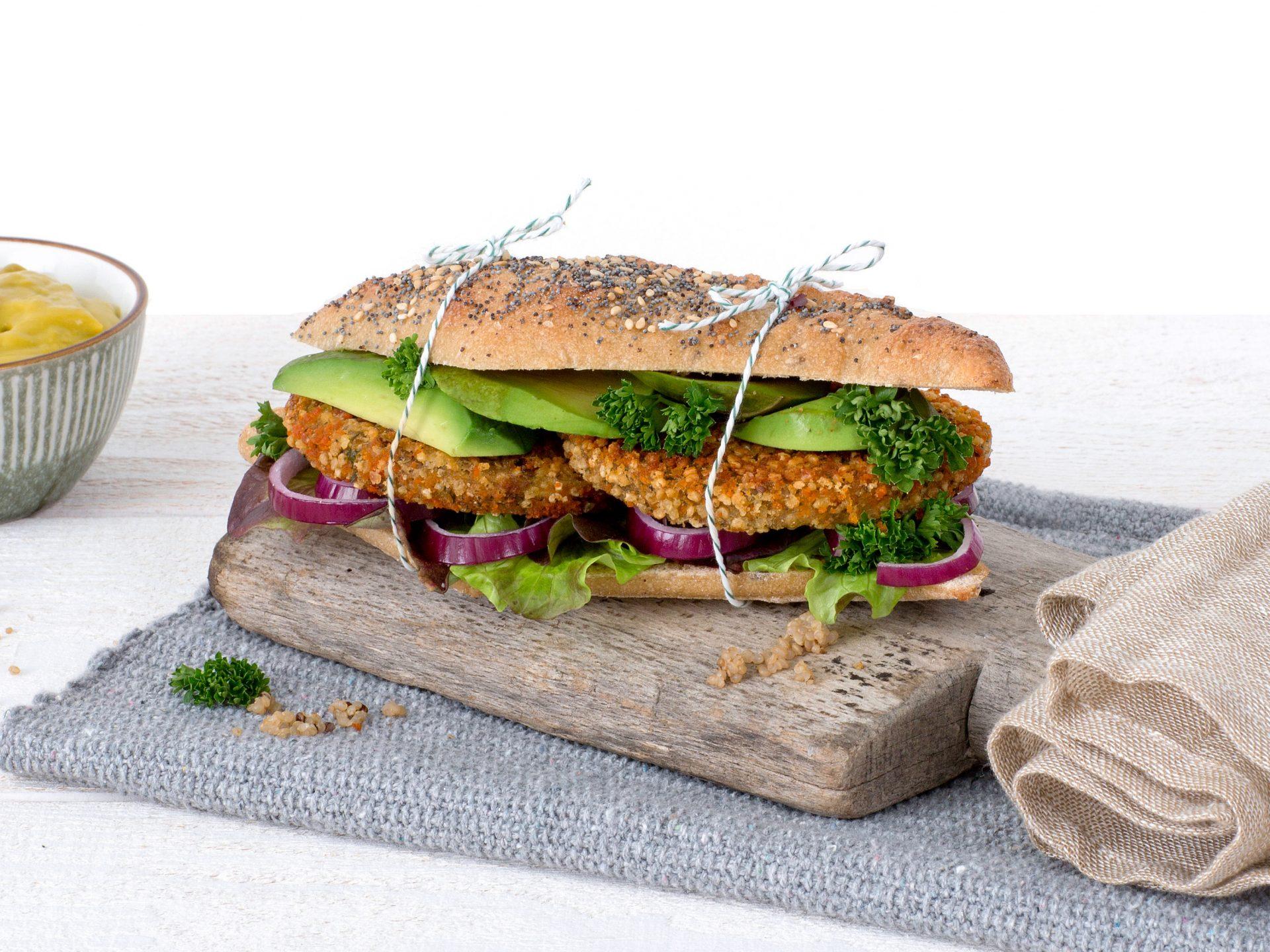 Fleischersatz: Veganer Bohnen Quinoa Burger