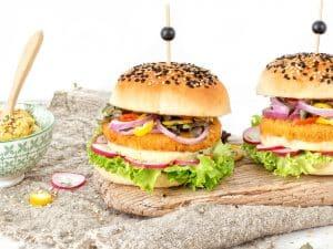 Schouten Europe: manufacturer vegetarian en vegan meat substitutes: Vegan chicken burger