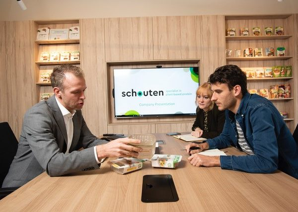 Schouten Europe: specialist in the development of plant-based protein products: vegetarian en vegan meat substitutes