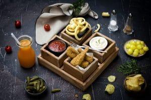 Schouten Europe: manufacturer vega en vegan meat substitutes: plant-based chicken dippers
