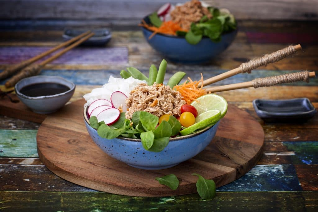 Poke bowl with TuNo - vegan Tuna: Schouten specialist in plant-based protein products