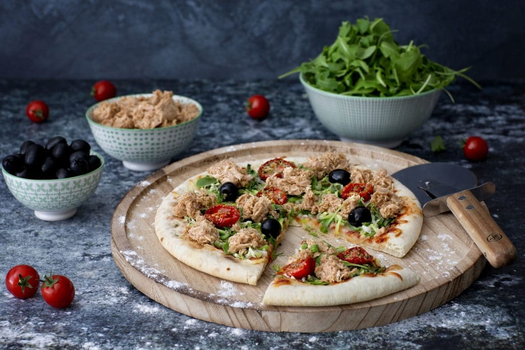 Pizza with TuNo - vegan Tuna: Schouten specialist in plant-based protein products