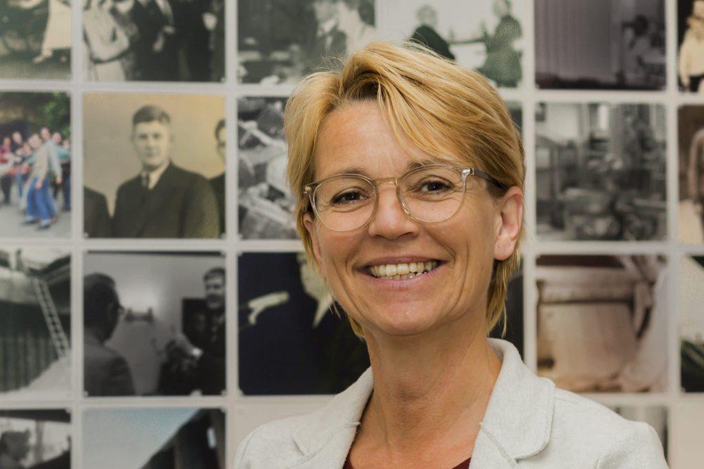 Ellen Roodnat - Office Manager