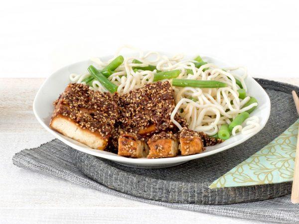 Schouten Europe - Producteurs de substituts de viande: Bloc de Tofu à la saveur fumée végétalien