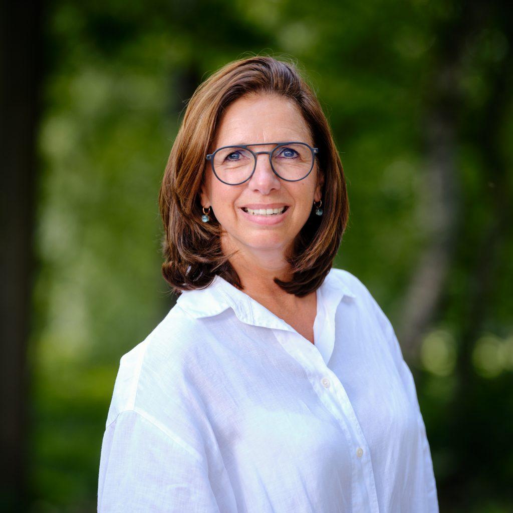 """Schouten specialist in vegetarisch een vegan producten:  Nicole Swinkels-Meulendijks, Manager General Affairs  Huijbregts Groep: """"operational excellence"""""""